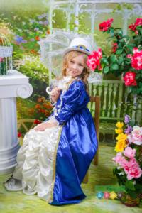 Постановочные весенние портреты. Весенняя фотосессия в детском саду. Фотостудия с костюмами. Фотосъемка весной
