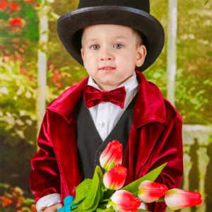 Постановочная детская фотосъемка Фотостудия с весенним реквизитом.
