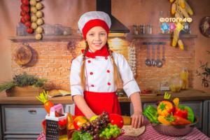 Поварята Детская фотосессия Маленькие повара на кухне. Костюмированная фотосъемка в детском саду