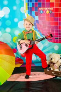 Костюмированная фотосъемка в детском саду. Постановочные портреты. Стиляги и Ретро