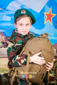 23 февраля фотосъемка в школе в костюмах