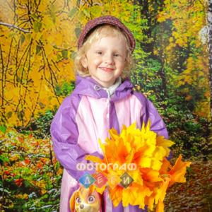 Грибники в осеннем лесу. Детская фотосъемка в костюмах